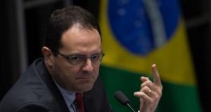 Dilma não cometeu crime de responsabilidade, diz Nelson Barbosa