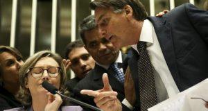 Tumulto com Bolsonaro marca sessão da Câmara sobre violência contra a mulher