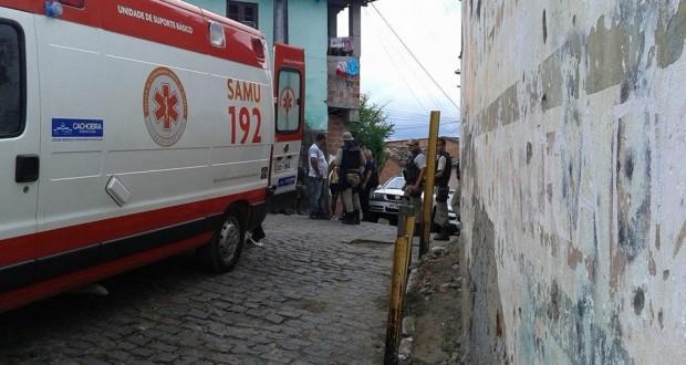 """""""Léo Beição"""" é atingido por disparo de arma de fogo durante confronto"""