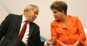 Lula se reúne com Dilma e discute com senadores articulação contra impeachment