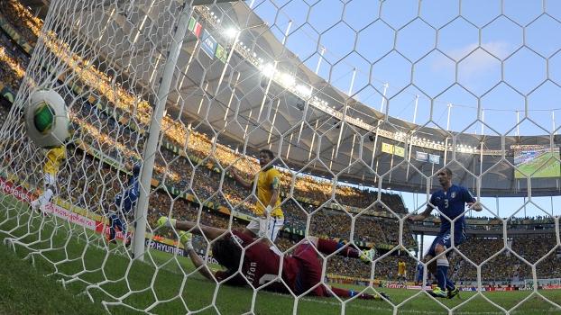 Brasil faz 4 a 2 na Itália
