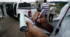 Detran nega apreensão de veículos em blitz por débitos no IPVA