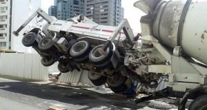 Acidente com caminhão em obra mata operário