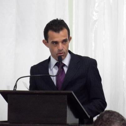 Chico Bury acusa Zé Raimundo de votar contra o Plano de Cargos e Salário dos servidores