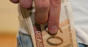 64% dos brasileiros não conseguem poupar; saiba mais