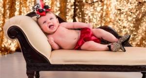 Marca americana causa indignação por vender sapatos de salto para bebês