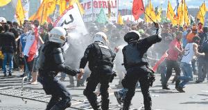 Brasília tem dia marcado por agressões, prédios depredados e prisões