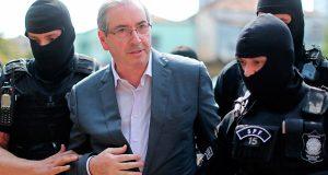 Eduardo Cunha contrata advogado de delatores e deixa Brasília em alerta