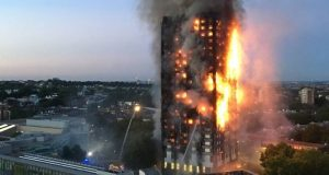 Incêndio em edifício residencial em Londres deixa vários mortos e 50 feridos