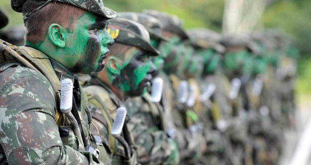 Militares devem ser diferenciados na reforma da Previdência, diz ministro