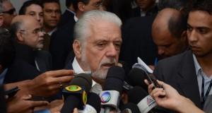 Wagner classifica de 'matéria comprada' denúncia da Veja contra o PT baiano