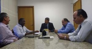 Diretor do CETEP Alberto Tôrres participa de reunião para viabilizar projetos
