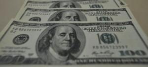 Alta do dólar beneficia atividades voltadas ao setor externo, avalia IBGE