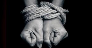 Escravidão moderna atinge 45,8 milhões de pessoas no mundo