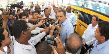97 Cidades baianas são contempladas com ônibus escolar