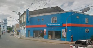 Santo Amaro: bandidos levam dinheiro e 100 celulares de loja de eletrodomésticos