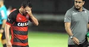 Terceiro cartão amarelo tira Juan de partida contra o Botafogo
